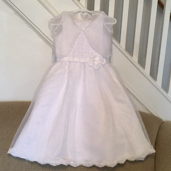 Delicate girls dress NWT